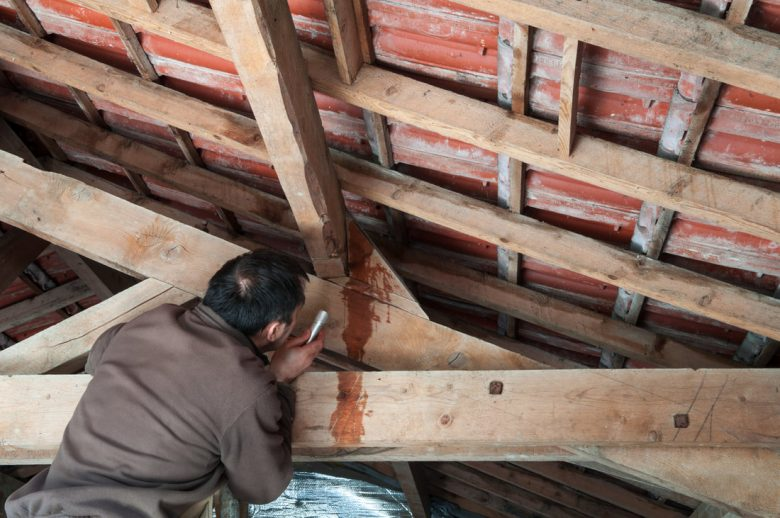 dealing-roof-repair